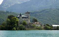 Onderweg...... (Dimormar!) Tags: kasteel frankrijk alpen annecy meervanannecy boot boat varen vakantie 2015 france fransealpen