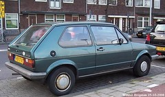 Volkswagen Golf CL 1983 (XBXG) Tags: kb17yg volkswagen golf cl 1983 green groen vert volkswagengolf vw willem de zwijgerlaan bos en lommer amsterdam nederland holland netherlands paysbas vintage old classic german car auto automobile voiture ancienne allemande duits deutsch deutschland germany allemagne vehicle outdoor