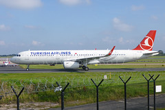 Turkish Airlines Airbus A321 TC-JSK (Yvan Greenaway - SonicStar817) Tags: manchesterairport a321 turkishairlines airbusa321 sharklets tcjsk