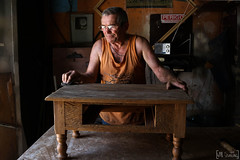 Marceneiro (will.santana) Tags: old table working madeira mesa velho trabalho trabalhando móvel terceiraidade marceneiro