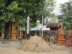 "Luang Prabang: le temple Vat Manorom <a style=""margin-left:10px; font-size:0.8em;"" href=""http://www.flickr.com/photos/127723101@N04/23865129975/"" target=""_blank"">@flickr</a>"