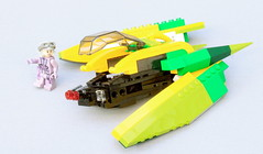 Coruscant Pursuit - Zam's speeder can explode with the press of a button! (O0ger) Tags: moc lego star wars coruscant persuit obiwan anakin zam bricksetcompetition