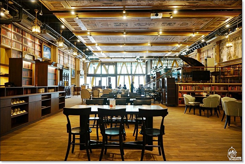 31678300854 0f899e5099 c - 『熱血採訪』台中東區 CUCLOS Cafe & Kitchen 馥樂詩輕食餐廳/新天地西洋博物館-一起走入文藝復興時期的古典歐洲之旅,造訪台中最美麗古典優雅的圖書館餐廳