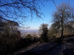 A Frosty Clear day on Chinnor Hill (cycle.nut66) Tags: chinnor hill chiltern escarpment distance view aylesbury vale blue sky trees frost woodland landscape samsung galaxy a3