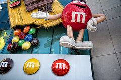 M&Ms (Stefan Schafer) Tags: lasvegas shopping nevada advertisement mm mmworld chocolate nikon d750 store