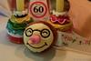 Happy Birthday - Die singende Herrentorte (Sockenhummel) Tags: fuji x30 fujifilm finepix fujix30 geburtstag birthday 60 sechzig happybirthday herzlicheglückwünsche mitternacht gratulation glückwünsche dekoration
