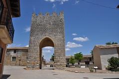Astudillo (Palencia). Arco de  San Martín (santi abella) Tags: españa palencia castillayleón murallas astudillo