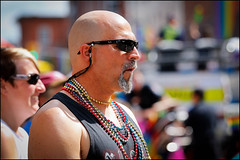 Bead Man (Dan Dewan) Tags: street portrait people ontario canada man colour male face glasses candid ottawa sunday august prideparade bankstreet 2015 centretown photographist canonef70200f40isusm dandewan canon7dmarkll