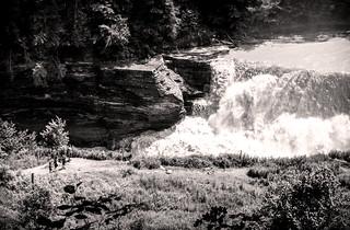 Approaching Roaring Falls