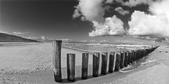 Pfhle (meistermacher) Tags: light sea bw cloud white black art nature clouds strand landscape blackwhite seaside nikon wolke shore d200 nikkor schwarzweiss nordsee wangerooge helgoland blackandwhiteonly theunforgettablepictures spiekerooge aflickrexplorephoto dirkfietzfotografie