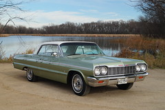 1964 Chevrolet Impala SS (Super Sport) & 2014 Chevrolet Impala LT (DVS1mn) Tags: chevrolet sport gm 14 ss bowtie super 64 chevy impala lt 1964 supersport generalmotors 2014