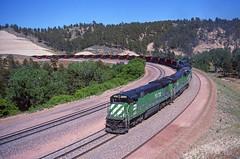 Up Crawford (MRL 390) Tags: railroad train nebraska grade bn coal ge upgrade generalelectric oakway burlingtonnorthern emd coaltrain sd60 railroadgrade crawfordhill oakwaysd60 emdsd60 bn5528 crawfordnebraska gec307 bnc307 bncoaltrain burlingtonnortherncoaltrain bnc3075528 burlingtonnorthern5528