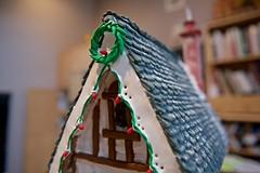 Christmas Gingerbread house with slate roof! (ineedathis, the older I get, the more fun I have!) Tags: roof chimney snow window baking modeling lightbulbs christmaslights wreath slate gingerbreadhouse brickwork gumpaste sugarwork christmas2015 nikond750