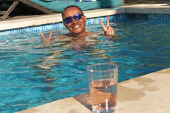 Villa Aix - Couteron (France) (Meteorry) Tags: summer man france guy pool sunglasses june fun europe wine aixenprovence paca vin provence poolside t homme piscine ros 2015 bouchesdurhne gte holidayhome stewartleiwakabessy meteorry provencealpesctedazur couteron provencealpesctedazur paysdaix