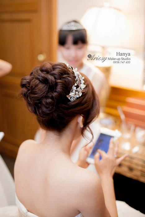 愛瑞思造型團隊,新秘Hanya,新娘秘書,台北新秘推薦,新娘造型,白紗髮型,蓬鬆編髮,空氣感線條,南峰高爾夫球場