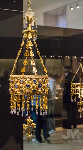 Corona del rey visigodo Recesvinto (Tesoro de Guarrazar) Museo Arqueológico Nacional.