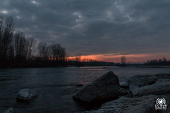 Ticino sunset (andrea.prave) Tags: park sunset wild sky italy parco milan nature water gua clouds ro river atardecer ticino zonsondergang agua eau wasser tramonto nuvole sonnenuntergang wildlife fiume himmel wolken natura rivire cu prdosol ciel cielo nubes nuvens nuages  fluss acqua  vatten  vann  solnedgang  solnedgng elv puestadelsol   coucherdusoleil  nehir     flod             cuggiono  castellettodicuggiono