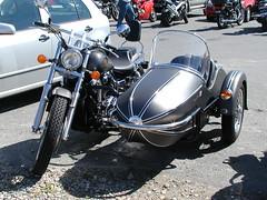 Yamaha Virago with Sidecar. (topzdk) Tags: 2005 summer honda motorcycle yamaha virago suzuki guernsey stpeterport classicbike vazonbay cobobay lihouisland lihou lecroixguerin cobobaytearoom channalisland