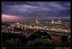 Atardecer en Florencia (meggiecaminos) Tags: italia italy toscana tuscany florencia florence firenze atardecer sunset tramonto duomo catedral cathedral cattedrale ponte pontevecchio bridge puente palazzo palazzovecchio urbanlandscape fotografíaurbana streetphotography arboles trees alberi arno fiume fiumearno río river edificios buildings palazzi citta ciudad city sky cielo nubes nuvole clouds panorámica panorama panoramicview wonder worldheritage patrimoniodelahumanidad maravilla campanile