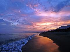 Anocheciendo (Antonio Chacon) Tags: andalucia atardecer costadelsol marbella málaga españa spain sunset mar mediterráneo
