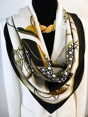 Voitures a Transformation, de la Perriere, 1965 (Carre de Paris) Tags: voituresatransformation delaperriere 1965 hermes carre foulard seidentuch tuch scarf vinatge authentichermes carredeparis shophermes buyhermes howwearascarf