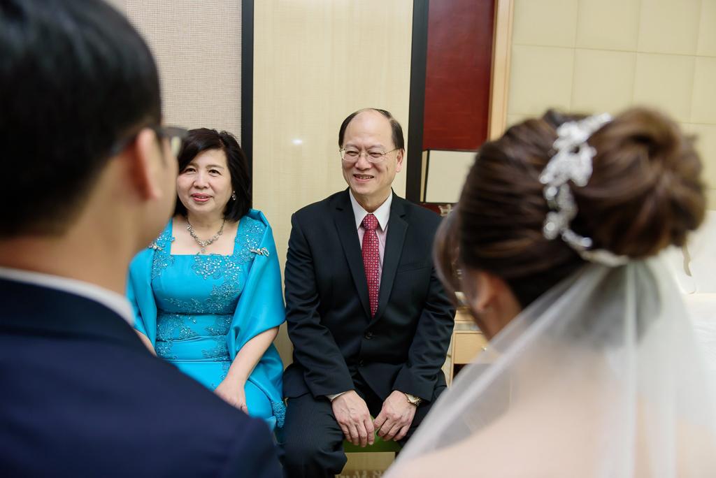 Wedding day-0048 ,僑園婚攝,台中僑園,僑園婚宴,新秘Alice ,婚攝小勇,台北婚攝, 小淑造型團隊