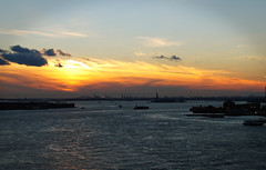 New York Harbour View South (ikiem2015) Tags: newyork harbour usa holidays sunset brooklynbridge brooklyn manhatten hafen statueofliberty