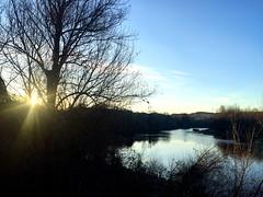 La Luz sobre el Ebro (yanitzatorres) Tags: spain españa sun sol contraluz azul sunset atardecer logroño rioja río river