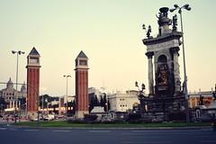 Plaça d'Espanya (el_bekh) Tags: plaça despanya catalunia espagne space place cityscape city ville monument fontaine fountain fuente eixample plaza de españa las torres venecianas europe