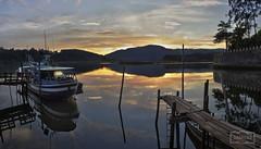 Sin título (Jose Antonio. 62) Tags: españa spain asturias sotodelbarco elcastillo water agua river río ria reflejo reflection embarcadero quay barco boat
