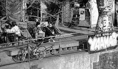 Berlin Friedrichshain (Gerrit Berlin) Tags: yaam berlin friedrichshainkreuzberg frühling sonnenschein citylife cityview streetphotografie streetart street bunt stadtleben fujixt1 fujiberlin fujifilms ostberlin blackandwhite chillen tgif relax