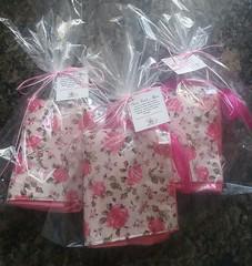 Toalhas para kit higiene. (Cleide Patch e Afins) Tags: patchwork chinelo toalhas bandô vaquinha peso de porta necessaire toalhadeboca