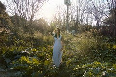 Bloøm (Cha' Perchée) Tags: woman modele collaboration beauitfull paysage naturelover abandonedplace flores trees green white whitedress long blue bluehair