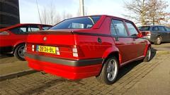 Alfa Romeo 75 1.8 i.e. (sjoerd.wijsman) Tags: zuidholland holanda olanda holland niederlande nederland thenetherlands netherlands paysbas carspot carspotting cars car voiture fahrzeug auto autos redcars red rood rot rouge sedan saloon stufenheck berline berlina alfa75 alfaromeo alfaromeo75 romeo 75 zk36bl sidecode4 onk nootdorp 12032017