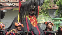 IMG_6101 (kayreal) Tags: girls woman girl beauty festival indonesia women traditionalart indah asiangirl wanita 2015 cantik blora agustusan gadis cewek indonesiangirl demosntrasi pertunjukan barongan beautufiul senitradisional khairiladi festivalbarongan sma1blora smktunjungan