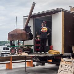 _9120083 Pizza baker at Aker Brygge.jpg (JorunT) Tags: oslo 2015 nasjonal pizzabaker fotovandring