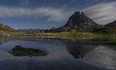Ayous noche flickr (yorxca) Tags: mountain night lago noche agua long exposure movimiento nubes estrellas montaa francia pirineos ibn ayous