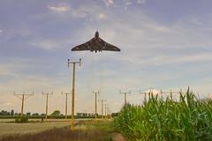 Vulcan Landing (Suffolkfox) Tags: vulcan vbomber robinhoodairport xh558