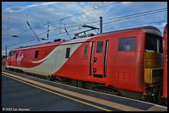 No 91121 11th Nov 2015 Peterborough (Ian Sharman 1963) Tags: nov london station electric train newcastle coast cross no engine rail railway loco trains class east virgin kings locomotive passenger 11th railways peterborough 91 mainline 2015 ecml 91121