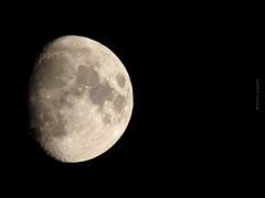IMG_3033 Luna 08Ene2017 (N3T0V) Tags: lunacreciente moon luna waxingcrescent crescentmoon nubes dark sky night noche cielo chiapas méxico astronomia astronomy astrofoto astrophoto talkingtothemoon enero enero2017 2017 chiapasmeteo