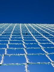 Goal ! (Ren-s) Tags: net filet frost givre winter outdoor 2016 decembre december hiver clermontferrand auvergne france europe minimalist bleu blue white blanc point view vanishing de fuite colors couleurs