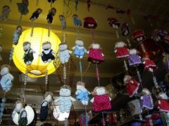 Bonequinhas (Sereiazinha Si) Tags: boneca doll decoração casa ceagesp sorocaba sãopaulo brasil brazil criança infância childhood luminária