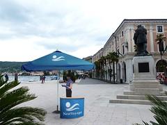 ombrellone-pubblicitario-pagoda (StudioStands) Tags: espositore pubblicitario espositoreintessuto espositorepubblicitario ombrellone ombrellonepubblicitario