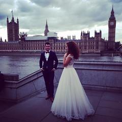 Photo of �Que viva la cursiler�a!  Pd. Ya voy a comenzar a cobrar por las fotos de boda... #london #uk #bigben #westminster #boda #wife #husband #marriage #pic #love