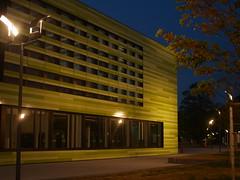 green block (g e g e n l i c h t) Tags: light architecture night licht nacht availablelight architektur manualfocus nachtaufnahme lmu universittmnchen martinsried universityofmunich elmaritr2828mm biocampus lumixgx7