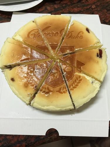 宅配甜點分享~天然好吃且綿密濃郁的乳酪蛋糕!With 起士公爵Cheese Duke 醇香系列的朱古力圓舞曲及經典鮮果系列的楓糖蔓越莓!!! 宅配食記