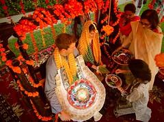 American bride groom (GlobalCitizen2011) Tags: wedding money ji ceremony traditions garland used american ja henna putting karachi sind sindh gul consul haar mendi sindhi rasam sindhidress