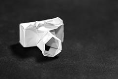 📷 Origami camera, HMM (Wenninger Johannes) Tags: justwhitepaper macromondays macro paper papercamera camera origami macrophoto macrophotography makro makrofoto makrofotografie foto fotografie