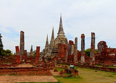 Ayutthaya (° cris ° (searching for testimonials :)) Tags: thailand thailandia holidays summer temples sacred ayutthaya ruins rovine archaeological stupas tombs flickraward
