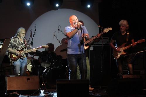 Rovescio della medaglia #rock #prog #progressive #hardrock #popolare #progressivamente #live #musica #anni70 #music #dalvivo #roma #rome #tibervalley 📷 ];)::\☮/>> http://www.elettrisonanti.net/galleria-fotografica/